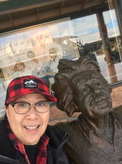 Selfie taken with Gary Lee Price Sculpture at Mountain Trails Art Gallery, Jackson Hole